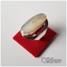Sidabrinis žiedas su perlamutru Z2022; 19,5 mm