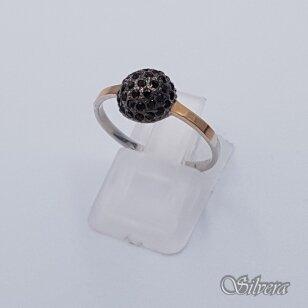 Sidabrinis žiedas su aukso detalėmis ir cirkoniais Z1457; 19 mm