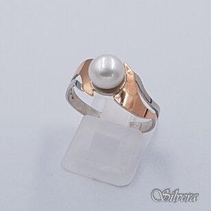 Sidabrinis žiedas su aukso detalėmis ir kultivuotu perlu Z1515; 19,5 mm