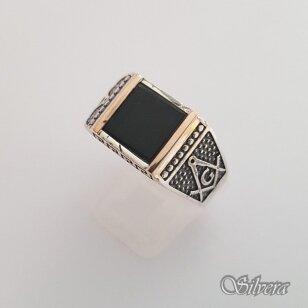 Sidabrinis žiedas su aukso detalėmis ir oniksu Z183; 22,5 mm