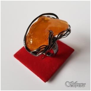 Sidabrinis žiedas su gintaru Z010; 18,5 mm