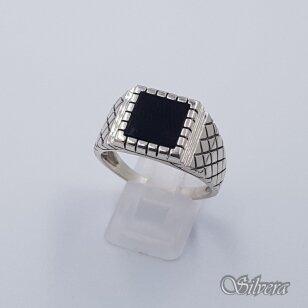 Sidabrinis žiedas su oniksu Z233; 22,5 mm