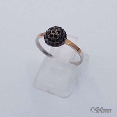 Sidabrinis žiedas su aukso detalėmis ir cirkoniais Z1457; 18,5 mm