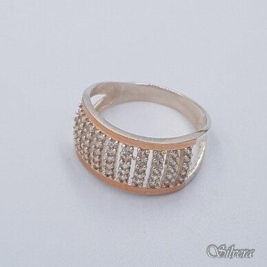 Sidabrinis žiedas su aukso detalėmis ir cirkoniais Z1473; 19 mm 2