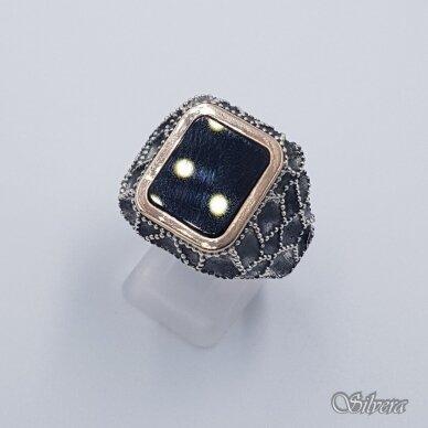 Sidabrinis žiedas su aukso detalėmis ir oniksu Z234; 21 mm