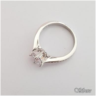 Sidabrinis žiedas su cirkoniais Z136; 18 mm 2