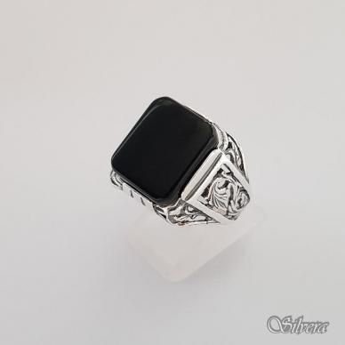Sidabrinis žiedas su oniksu Z151; 21,5 mm